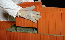 Czy wiesz, jak dopasować zaprawę murarską do rodzaju pustaków i bloczków?