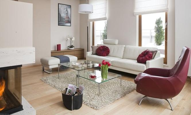 Upewnij się, że twój salon będzie wygodny. Sprawdź w projekcie domu kształt i wielkość pokoju dziennego