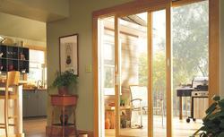 Rozwieralno-uchylne drzwi tarasowe. Jak zapewnić wygodne wejście na taras?