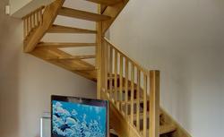 Stopnie, podstopnice, balustrady. Z czego składają się schody drewniane?