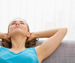 Izolacja akustyczna okien. Jak optymalnie dobrać stolarkę, by zapewnić ciszę i komfort w domu