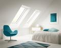 Aranżacje pomieszczeń z oknami dachowymi – galeria inspiracji
