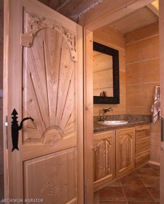Drzwi wewnętrzne z litego drewna