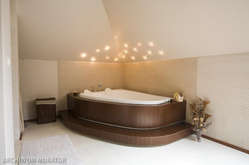 Galeria zdjęć - Wanna wolnostojąca czy zabudowana? Zobacz galerię aranżacji łazienek - zdjęcie ...